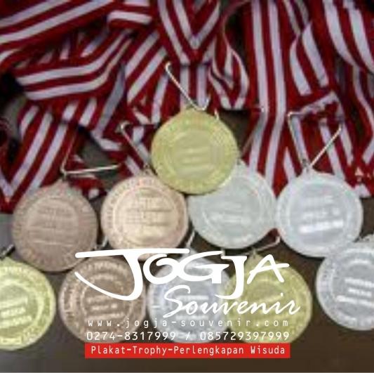 Medali kampus