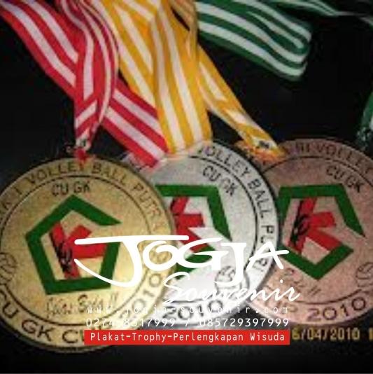 Medali 6